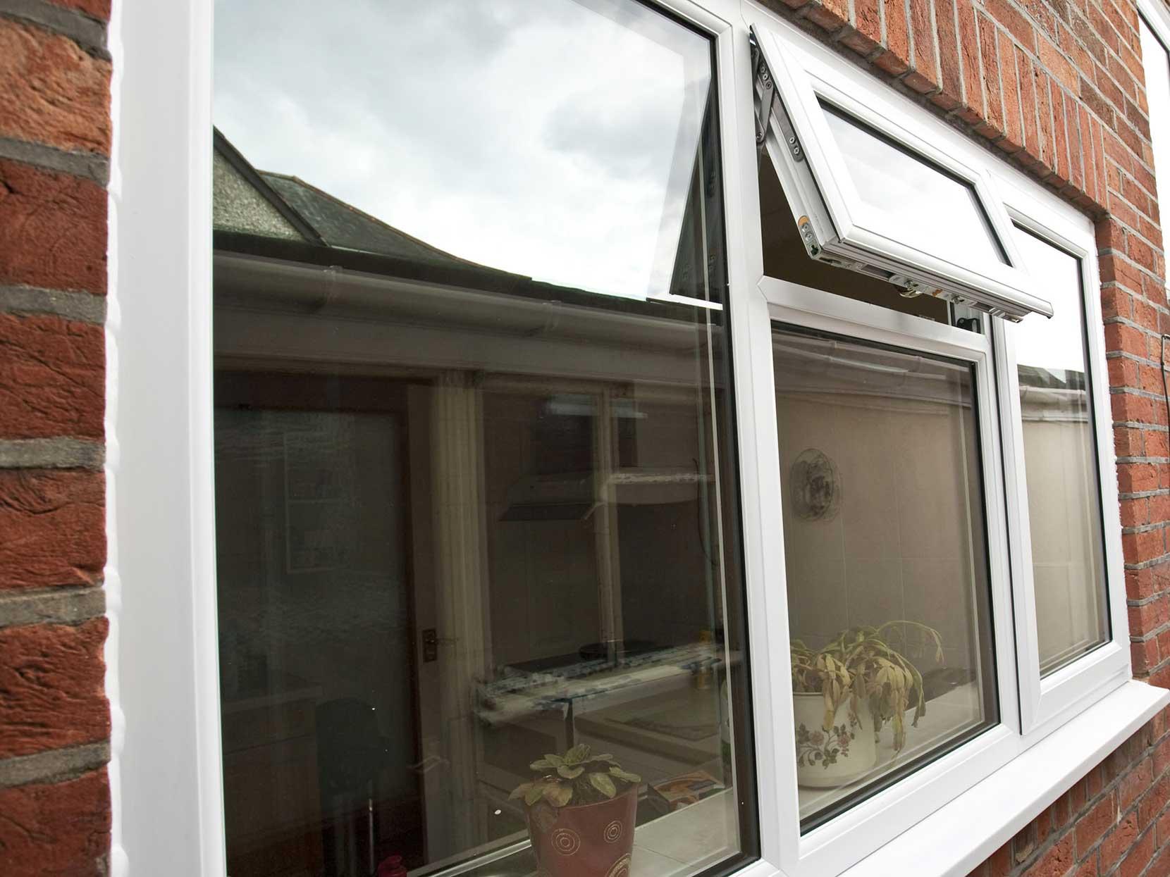 Upvc casement windows double glazing epsom coulsdon surrey for Best casement windows
